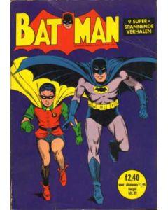 BATMAN EN ROBIN DE WONDERJONGEN: 04: DE EERSTE BATMAN